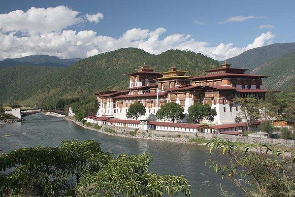 Splendour Of Bhutan Package