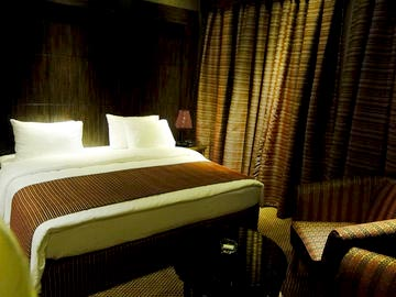 Dubai Standard Room + Free Airport Transfer