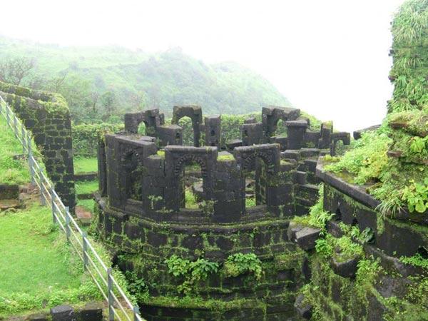 Raigad Fort Trek & Shivtharghal 01 Night / 02 Days Tour