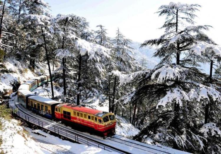 4 Nights 5 Days Manali - Shimla Tour By Volvo Bus.