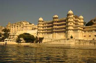 East India With Golden Triangle Tour Package