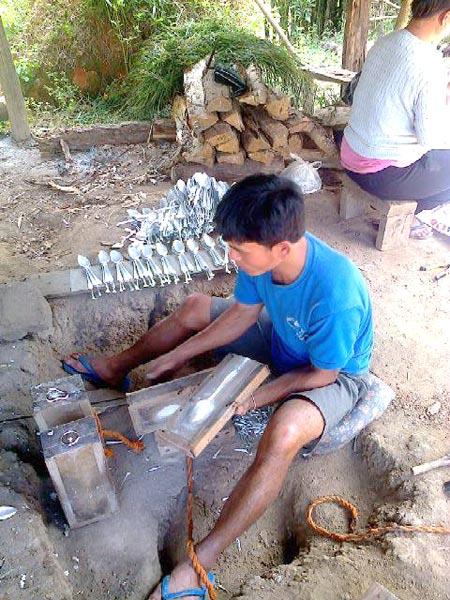 Ban Na Phia (Spoon Making Village) Tour