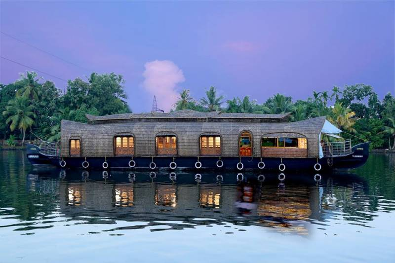 Kerala Honeymoon Packages 6 Days Tour