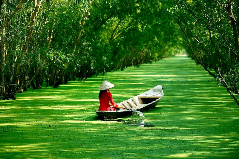 Crossing Mekong Delta & Cambodia Tour