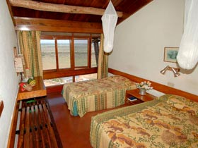 Three Days Tsavo East & Salt Lick Safari Tour