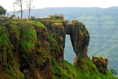 Deccan Triangle Maharashtra Tour Package