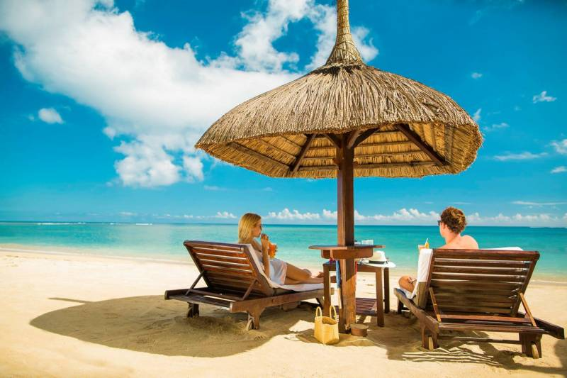 Mauritius Honeymoon - Friday Attitude