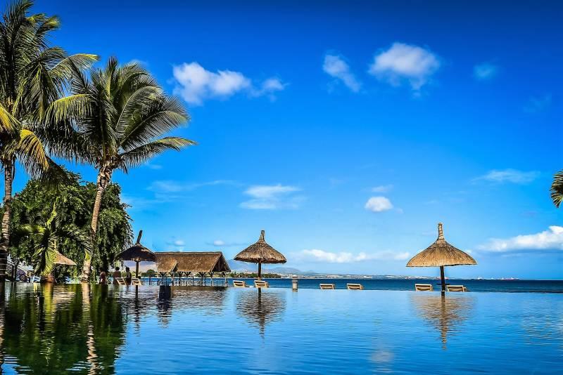 Mauritius Honeymoon - Dinarobin Beahcomber Golf Resort & Spa (7 Days)