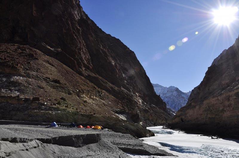 Chaddar Trek Tour