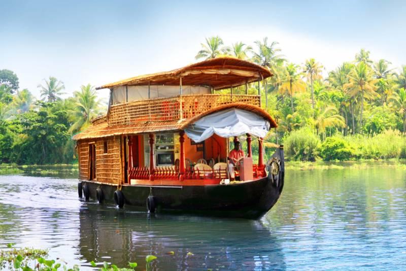 Kerala Honeymoon Special Tour