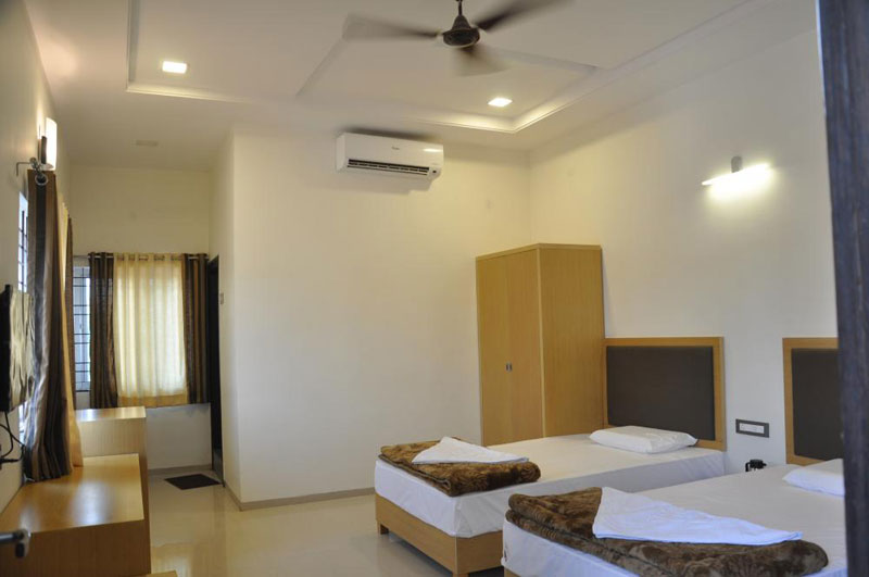 Hampi Corporate Tour Package ( 6 Person Onwards)