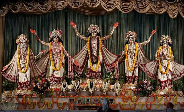 Mayapur Iskcon Darshan(Minimum 5- 8 Person Group) Tour