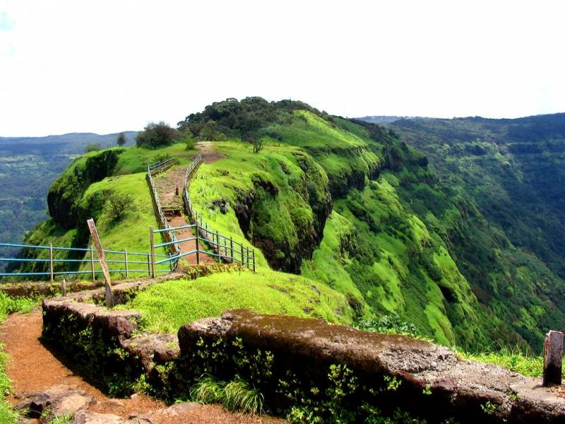 Mesmerizing Maharashtra With Imagica Tour