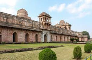 Mandu Tour Package (Monsoon Special)