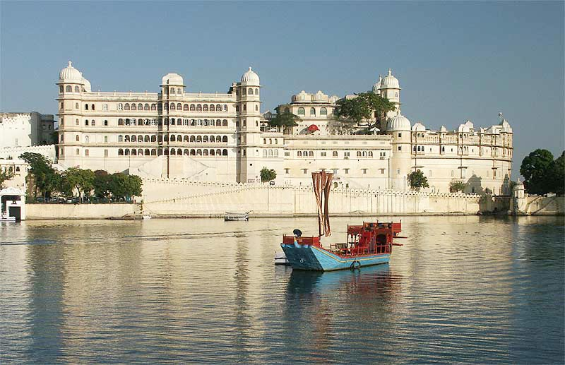 Lake City Udaipur Tour