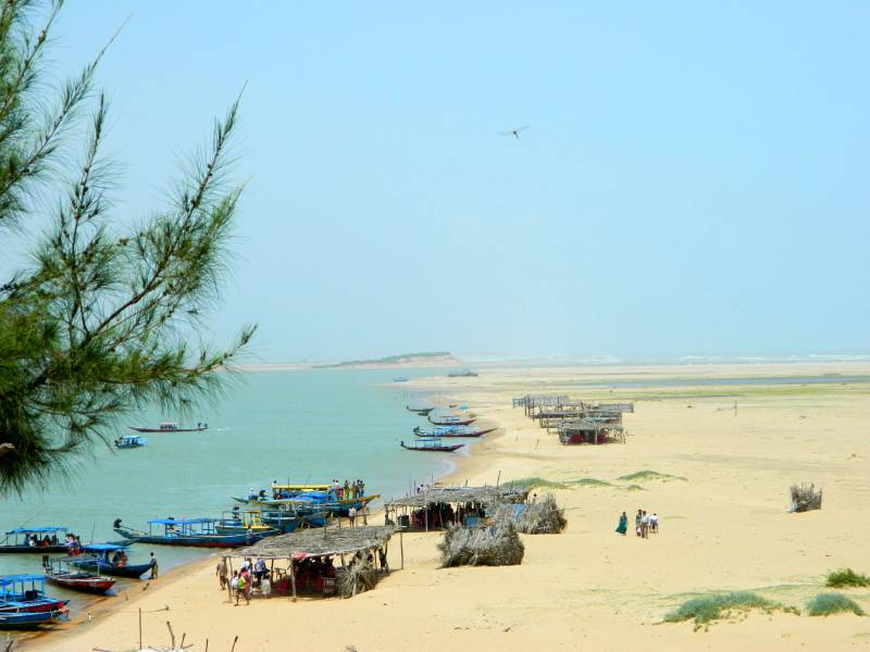 Puri Chilka Lake Tour Packages