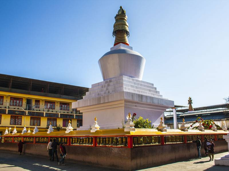 Bagdogra- Mirik- Darjeeling- Gangtok- Kolkata- Gangasagar- Kolkata- Puri- Bhubaneshwar Tour