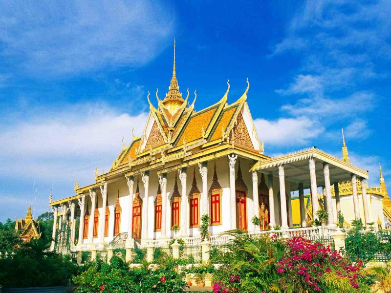Beauty Of Phnom Penh Capital & Angkor Wat, Cambodia Tour