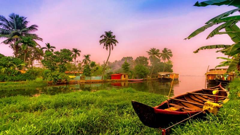 Cochin - Guruvayur  - Athirappilly - Munnar - Thekkady - Alleppey (house Boat) Tour