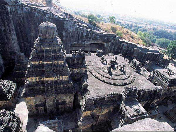 Shirdi – Nasik – Ajantha – Ellora Spl (by Train) Tour