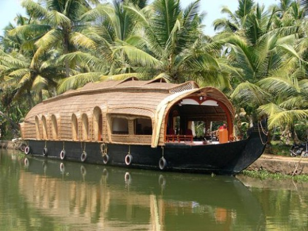 Cochin -munnar-thekkady-alleppey