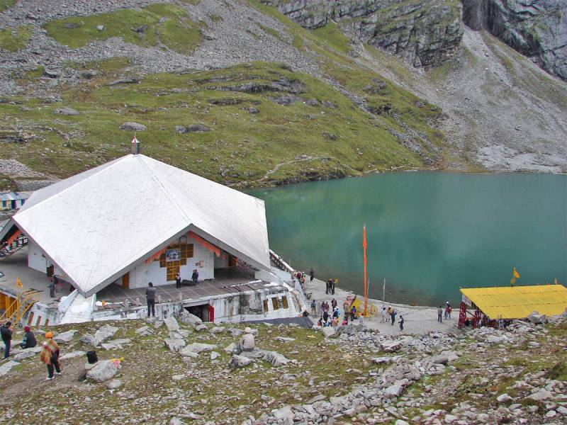 Valley Of Flower With Hemkund And Badrinath Trek
