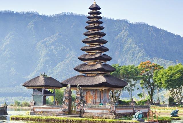 Singapore Bali Honeymoon Package