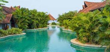 Kerala With Athirappally Waterfalls & Guruvayur 06Nights/07Days Tour