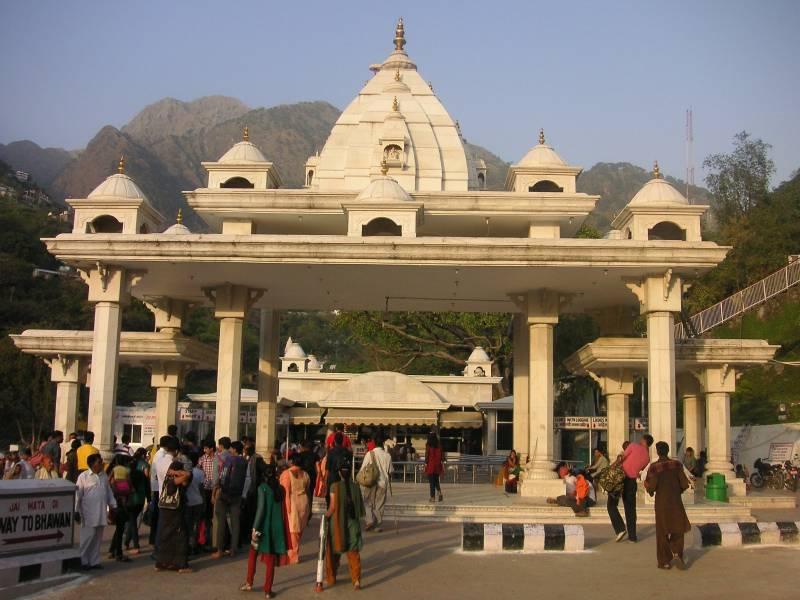 Maa Vaishnodevi – Himachal Shakthi Sthal Yathra Tour