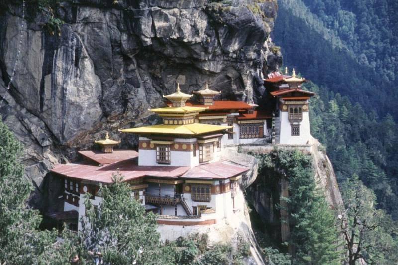 8 Nights Bhutan Tour