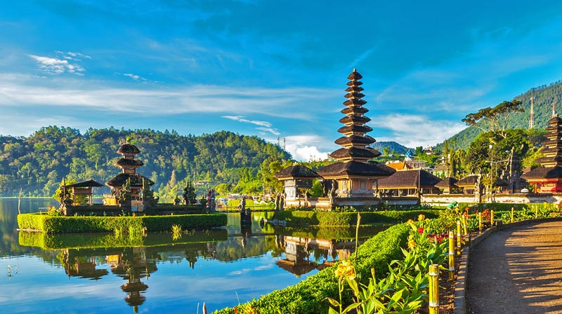 Beautiful Malaysia With Scenic Bali Tour