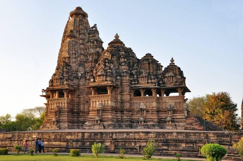 Taj Mahal With Bhandavgarh 13 Night 14 Days Tour Package