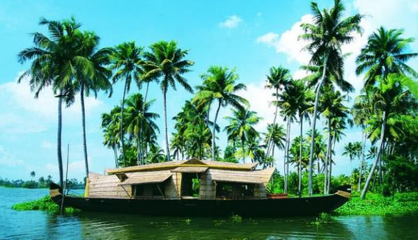 Beautiful Kerala Tour With Houseboat Tour