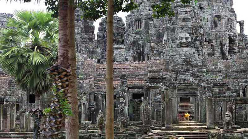 Trek Angkor Temples Package