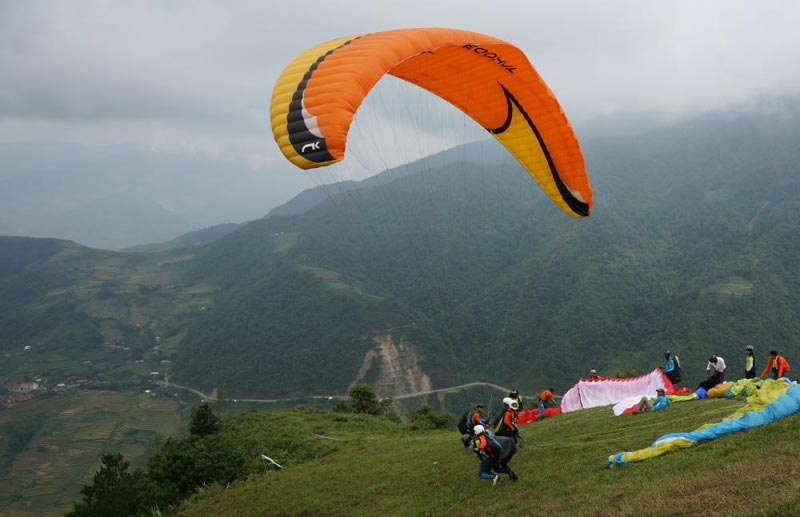 Hanoi Paragliding Exploration Tour Package