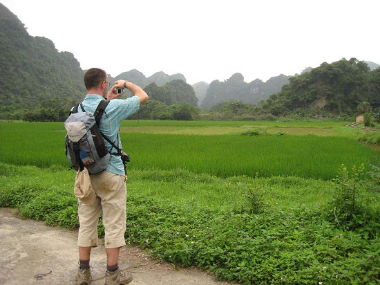 Trekking Cat Ba National Park & Kayaking Halong Package