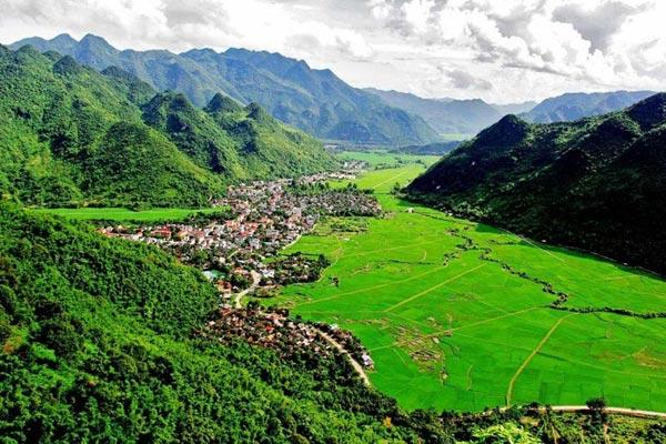 Deep Trek To Mai Chau, Vietnam Package