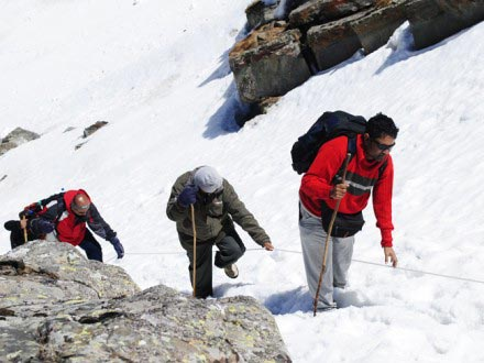 Trek To Indrahar 3 Nights – 4 Days Tour