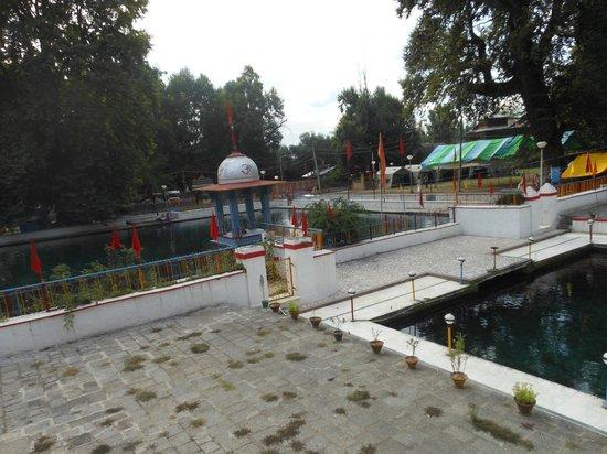 Srinagar ,Pahalgam , Gulmarg, Sonamarg, Srinagar Tour