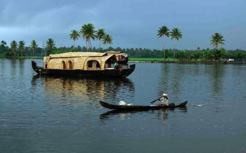 Cochin Munnar Thekkady Kovalam Package