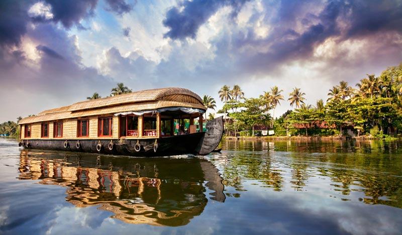 Kerala  (Cochin - Munnar- Thekkaddy- Alleppey )  Tour
