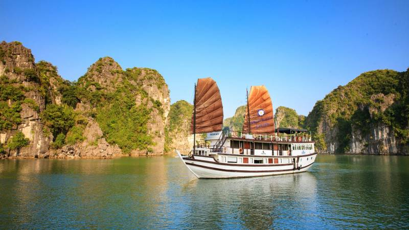Vietnam Tour 5 Nights / 6 Days