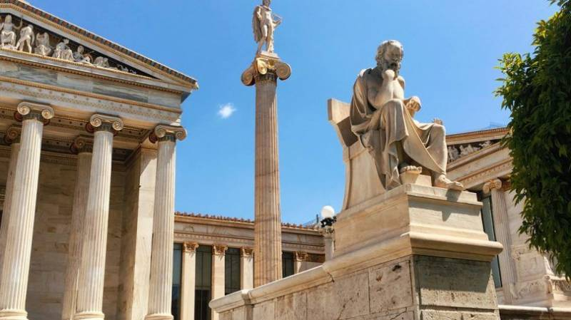 Authentic Tour Of Athens, Mykonos And Santorini