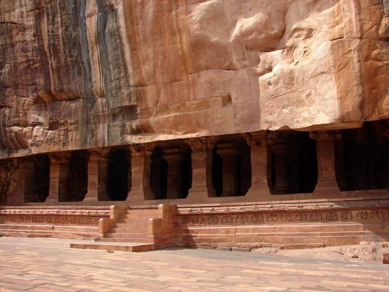 Captivating Karnataka Heritage Tour