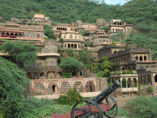 Grandeur Maharaja Retreat Tour