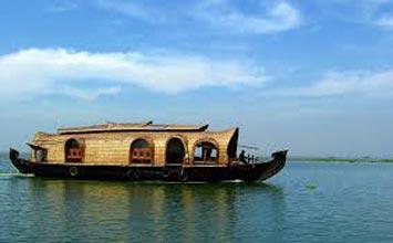 Kerala Backwater Houseboat Tour Package