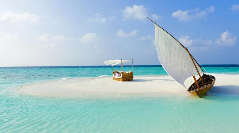 Feels Like Love In Maldives Tour