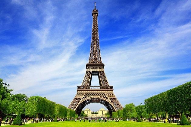 Paris Honeymoon Package