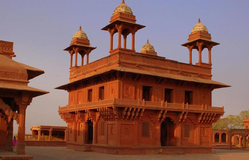 Golden Triangle With Abhaneri Stepwell And Bhangharh For 8 Day Tour