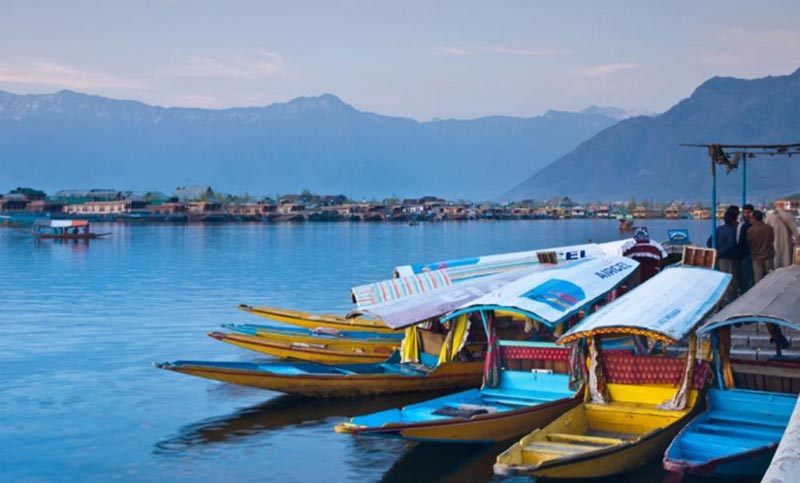 Beautiful Kashmir From Srinagar Tour